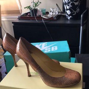 Max Studio multi brown snakeskin heels!